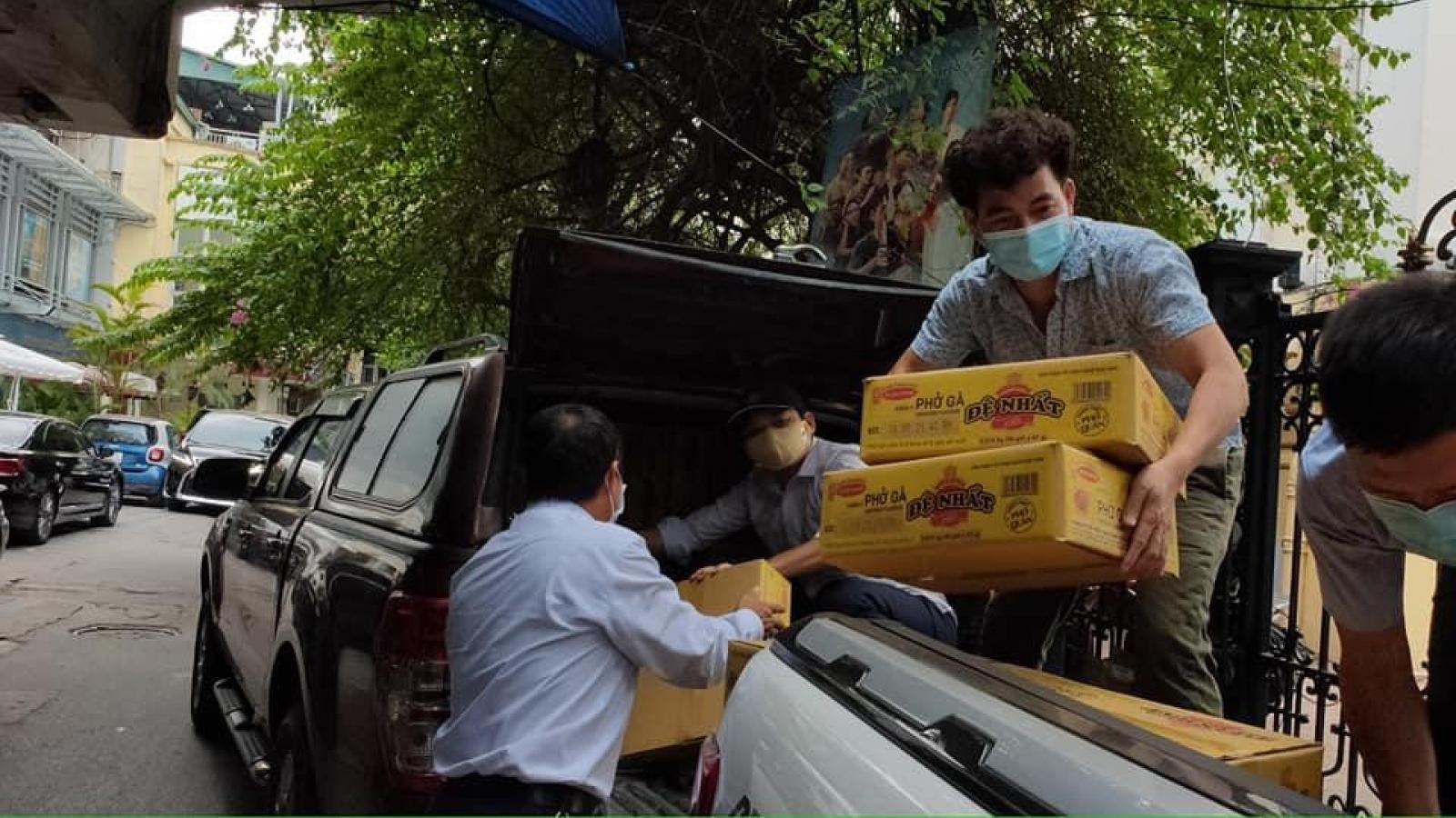Những chia sẻ đầu tiên của NSƯT Xuân Bắc khi vào 'tâm dịch' ở Bắc Giang