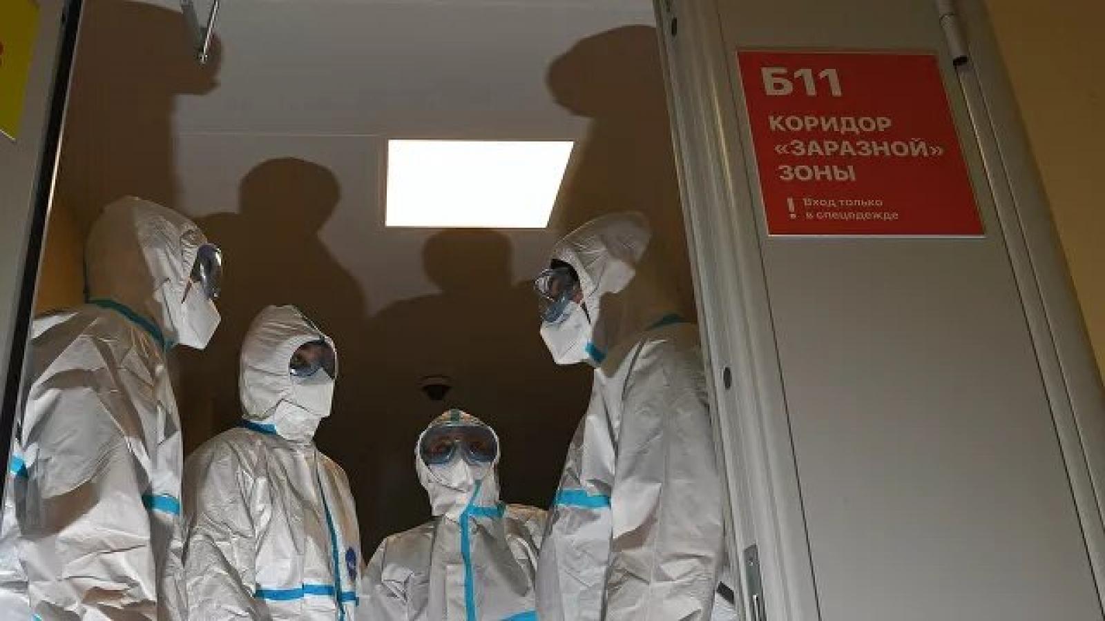Tình hình dịch Covid-19 tại Nga vẫn căng thẳng