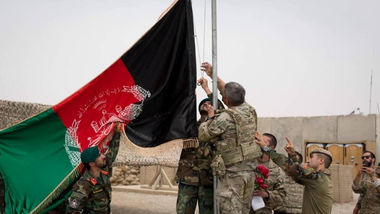"""Afghanistan """"sẵn sàng"""" chiến đấu với Taliban sau khi Mỹ rút quân"""