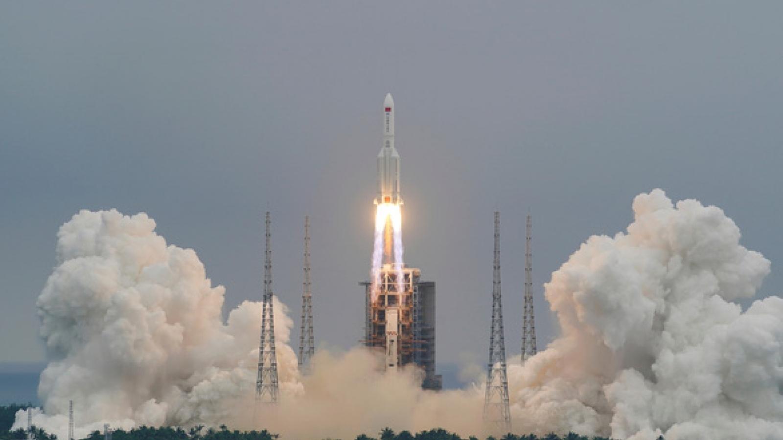 Mảnh vỡ tên lửa Trường Chinh 5B của Trung Quốc rơi xuống Ấn Độ Dương