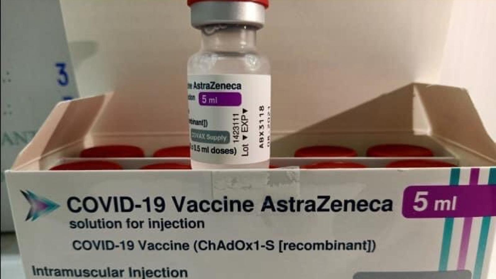 Gần 1,7 triệu liều vaccine do COVAX tài trợ đã về tới Hà Nội