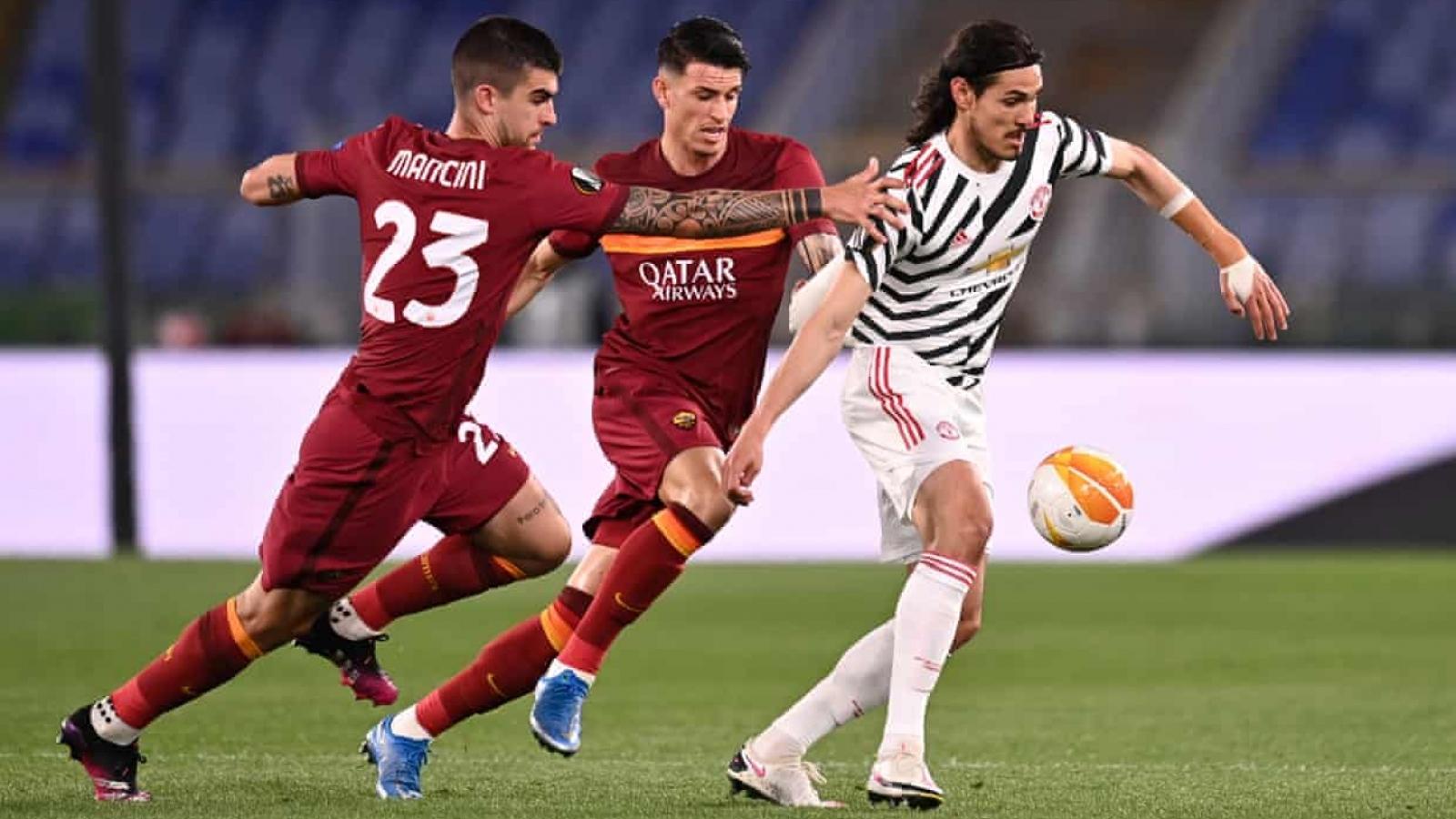 TRỰC TIẾP AS Roma 0-0 MU: Cavani dứt điểm trúng xà ngang