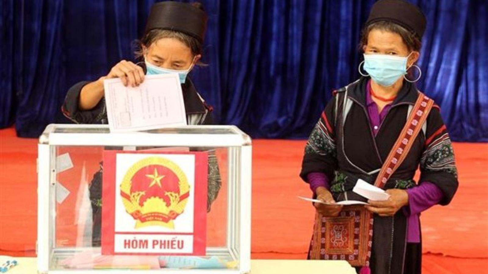 Báo Séc: Việt Nam đảm bảo an toàn bầu cử trong bối cảnh đại dịch