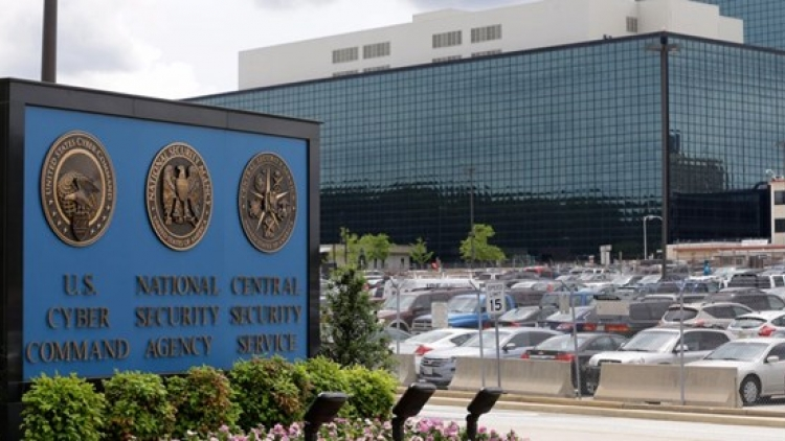 Cơ quan An ninh Quốc gia Mỹ hứng búa rìu dư luận: Vụ Edward Snowden nóng trở lại