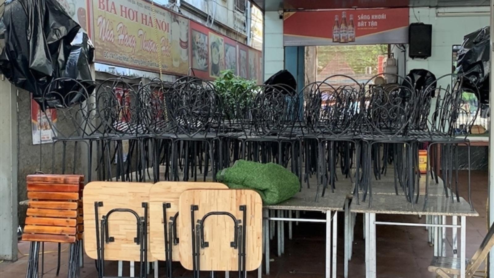 Loạt quán bia lớn ở Hà Nội 'vườn không nhà trống' giữa mùa hốt bạc