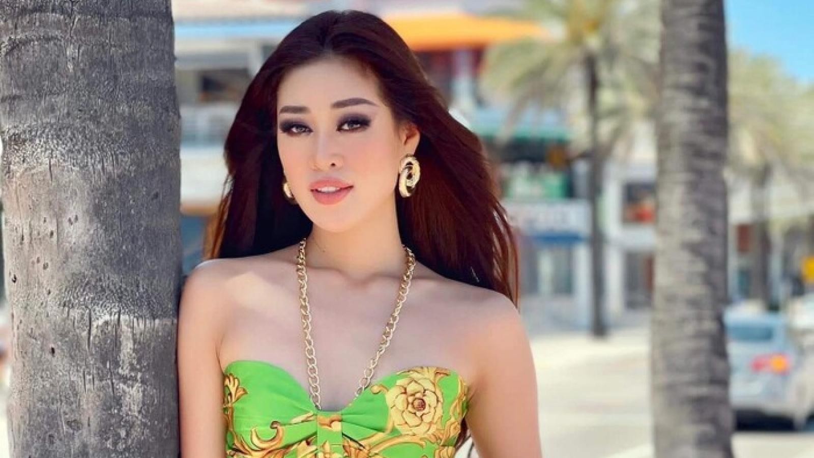 """Chuyện showbiz: Hoa hậu Khánh Vân khoe eo """"con kiến"""", thả dáng ngọt ngào trên bãi biển"""