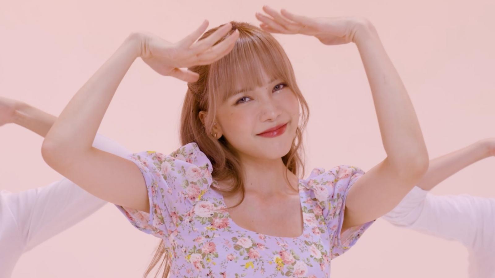 """Thiều Bảo Trâm khoe điệu nhảy tỏ tình đáng yêu trong """"Love Rosie"""" phiên bản Dance"""