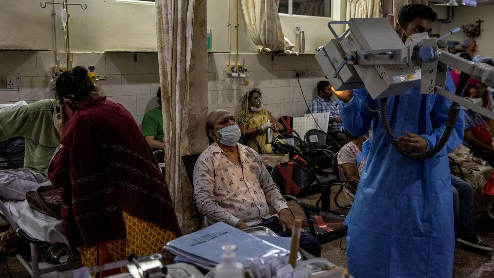 WHO: Không thể dự báo làn sóng Covid-19 thứ ba tại Ấn Độ sẽ đến khi nào