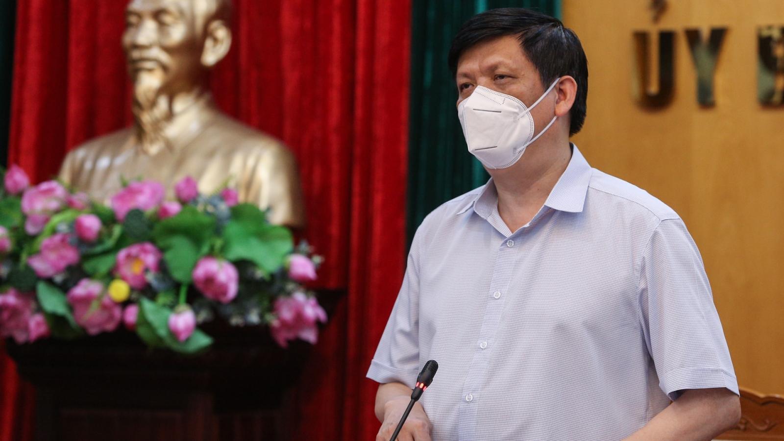 """Bộ trưởng Bộ Y tế: """"Chúng ta thà làm mạnh còn hơn phải đuổi theo dịch"""""""