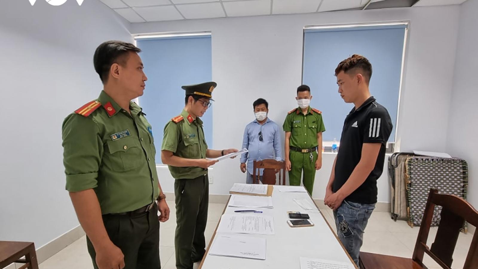 Khởi tố vụ núp bóng chuyên gia đưa người nước ngoài nhập cảnh trái phép