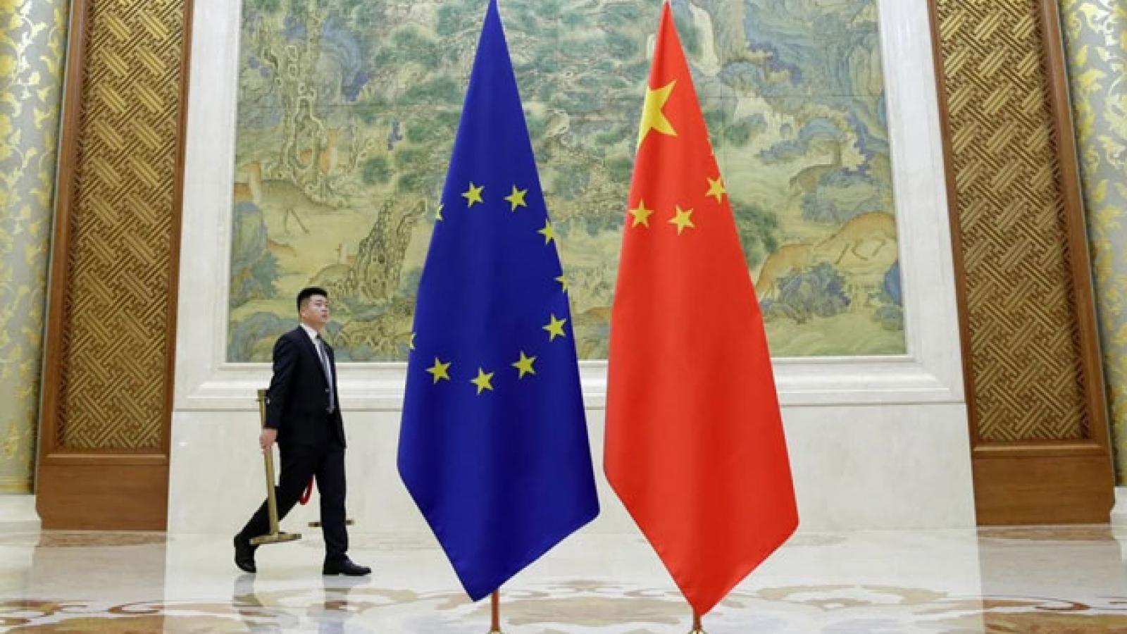Căng thẳng vì lệnh trừng phạt, EU hoãn phê chuẩn thỏa thuận đầu tư với Trung Quốc
