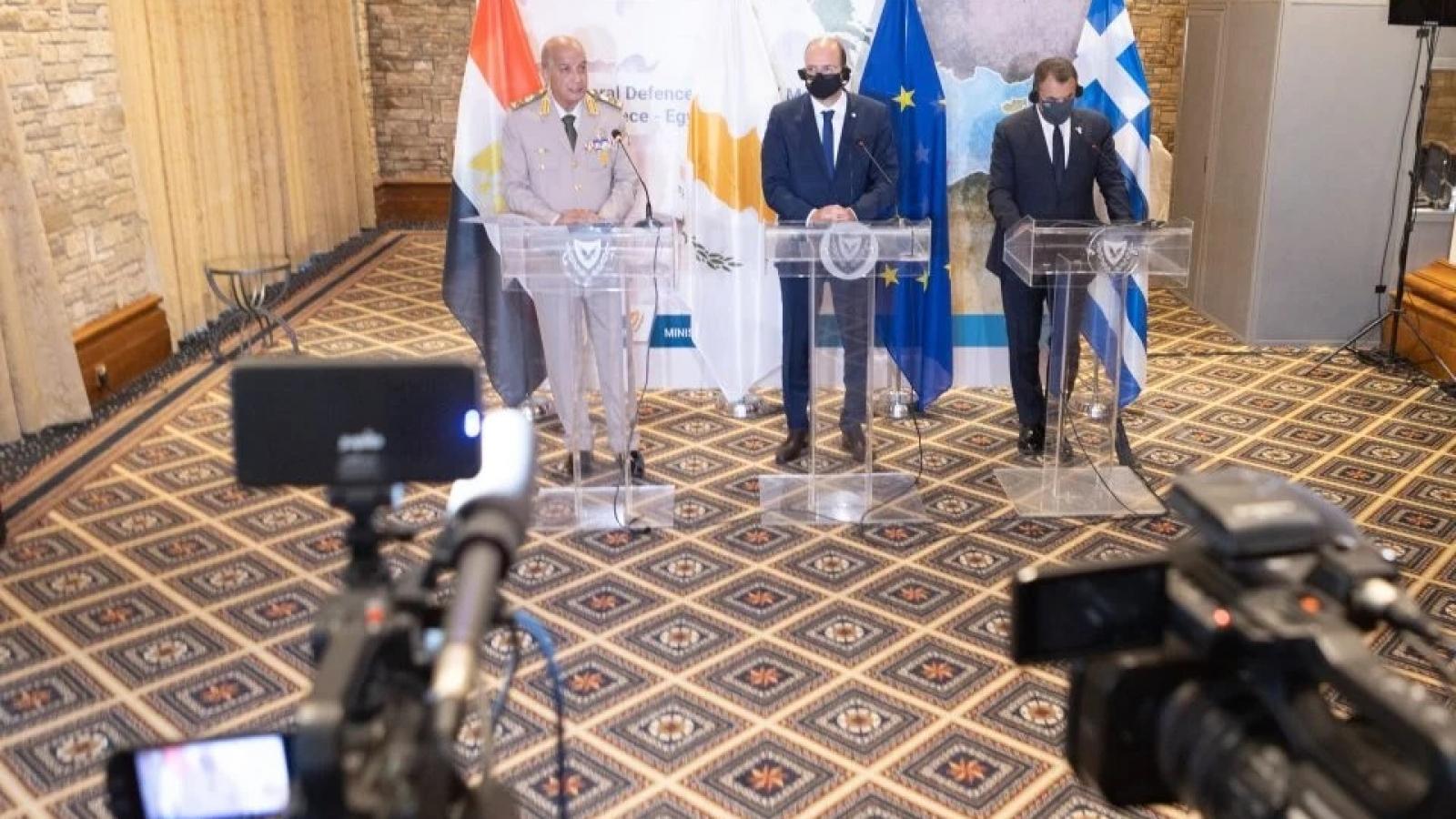 Thắt chặt quan hệ quốc phòng trước các mối đe dọa ở Đông Địa Trung Hải