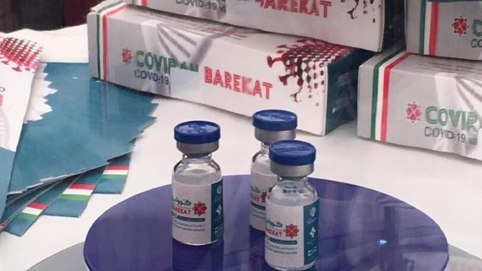 Iran tự sản xuất một triệu liều vaccine Barekat ngừa Covid-19