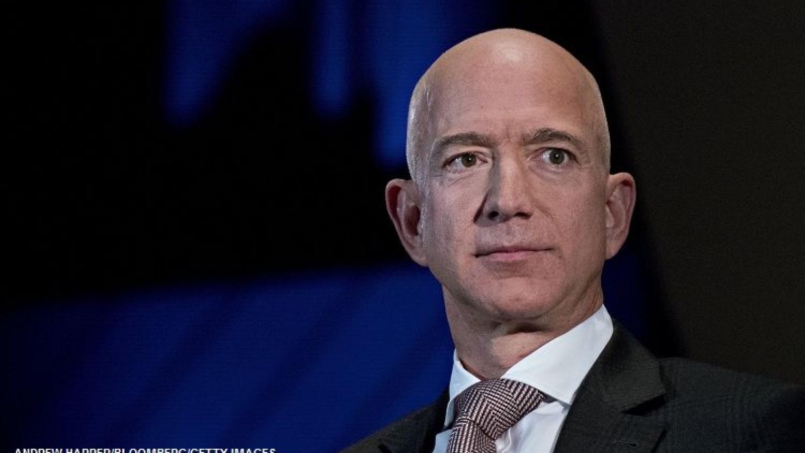 Tỷ phú Jeff Bezos chính thức tuyên bố từ chức CEO Amazon