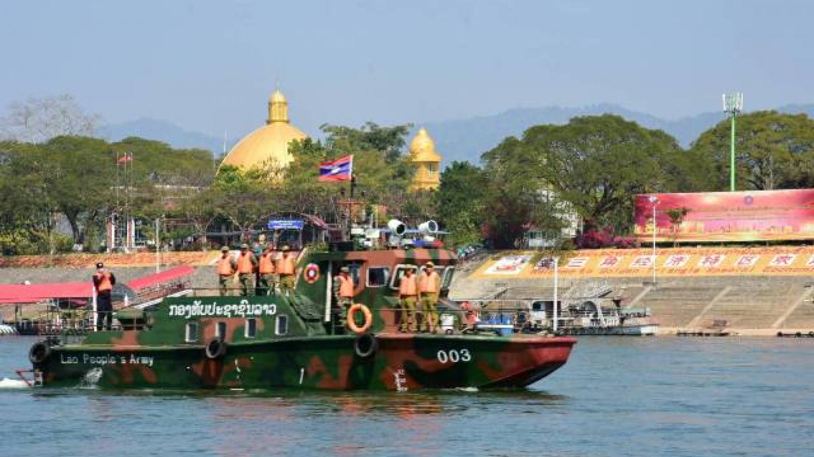 Lào không xử phạt lao động bất hợp pháp về nước để ngăn chặn Covid-19 lây lan