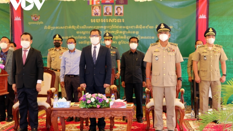 Another pair of Vietnam - Cambodia international border gates come into operation