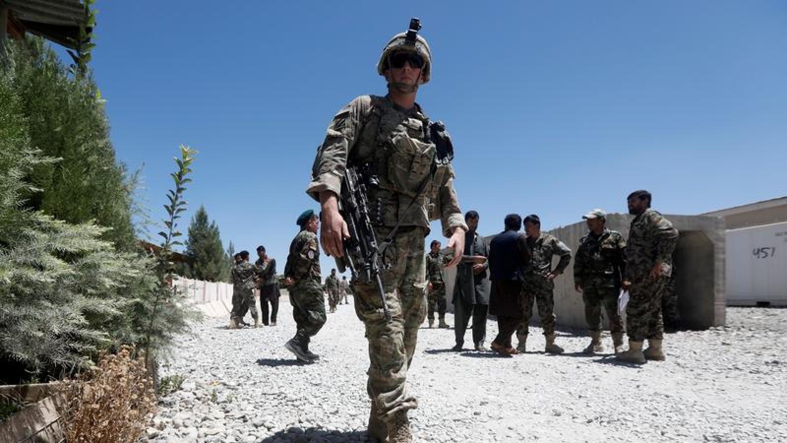 """Tướng Mỹ: Nga và Trung Quốc đang tìm cách """"thế chân"""" Mỹ ở Trung Đông"""