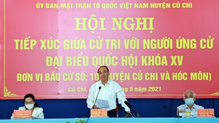 State President Nguyen Xuan Phuc meets HCM City voters