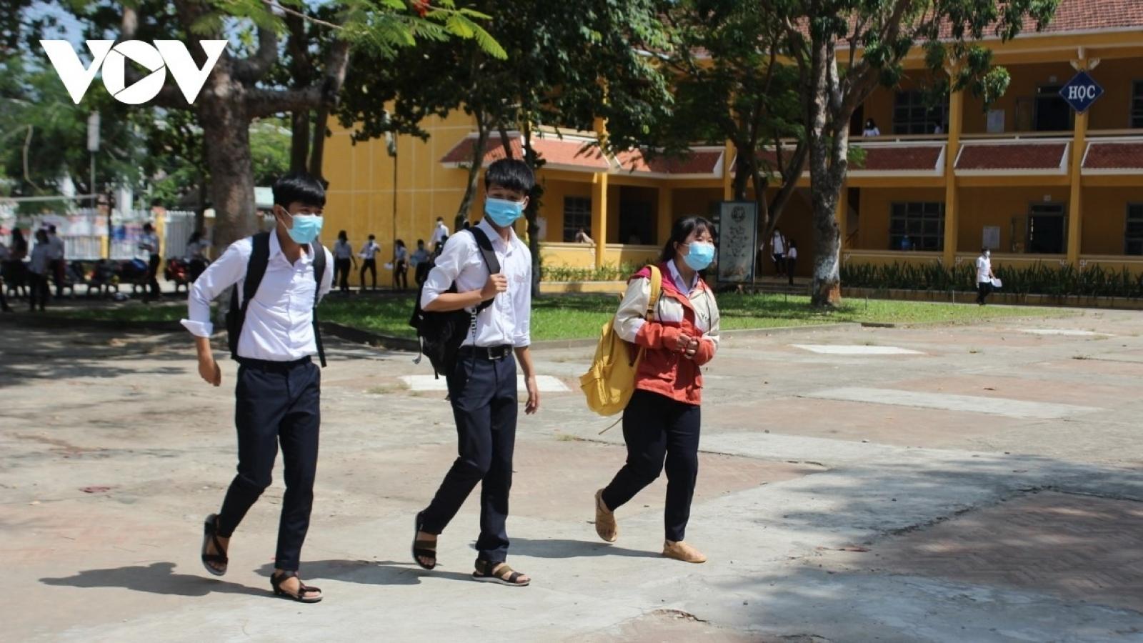 Học sinh, sinh viên Quảng Nam đi học trở lại vào ngày 6/5