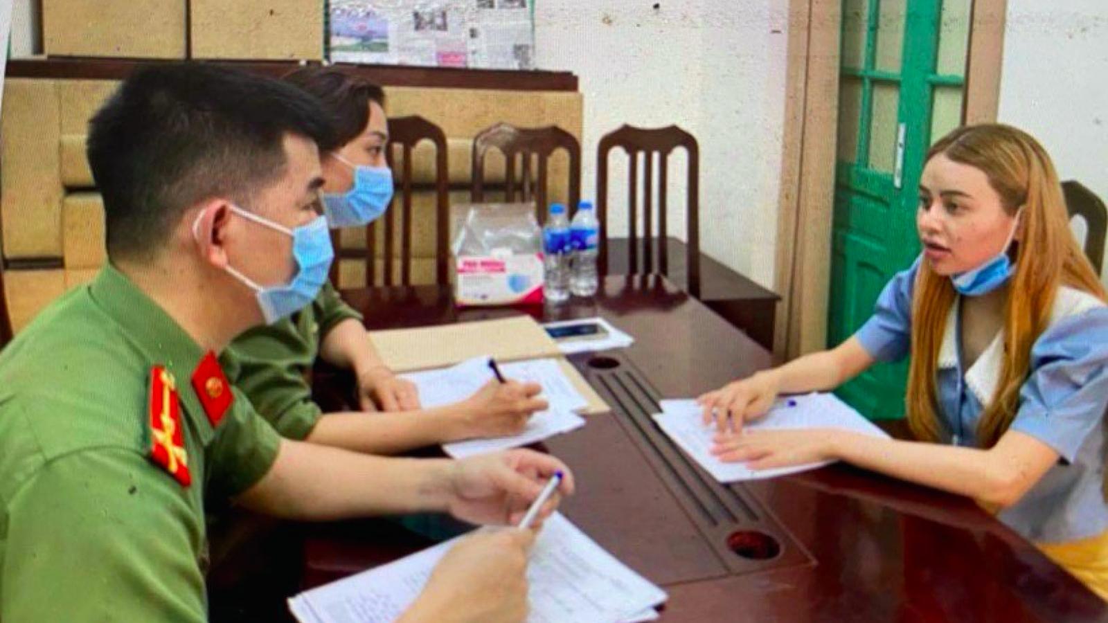 """Nóng 24h: Nữ sinh """"tiếp tay"""" hàng chục người Trung Quốc nhập cảnh trái phép"""