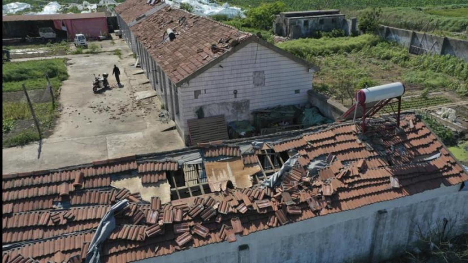 Bão mạnh quét qua tỉnh Giang Tô (Trung Quốc) làm 11 người thiệt mạng