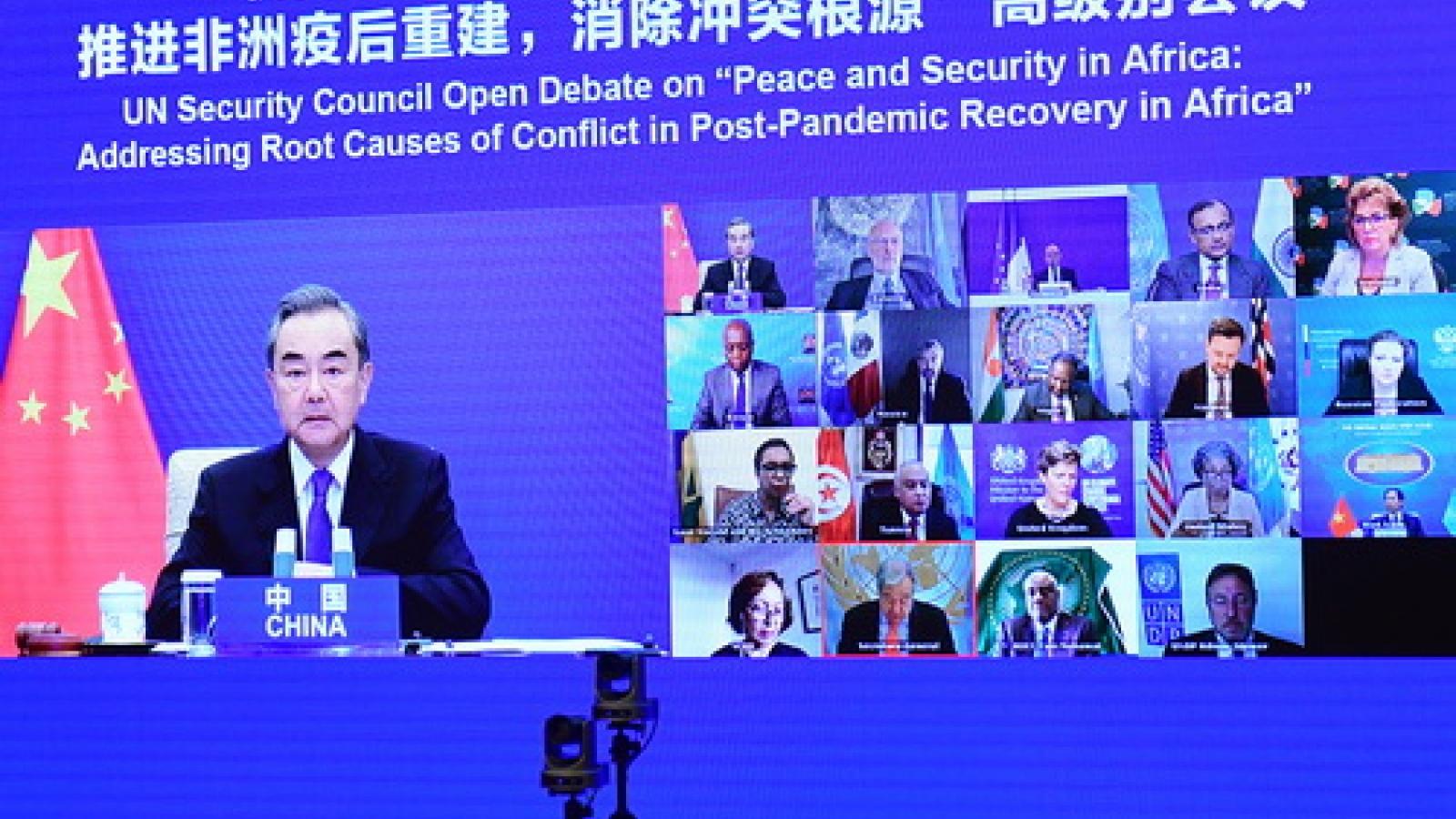 Trung Quốc kêu gọi các bên hỗ trợ vaccine Covid-19 cho châu Phi