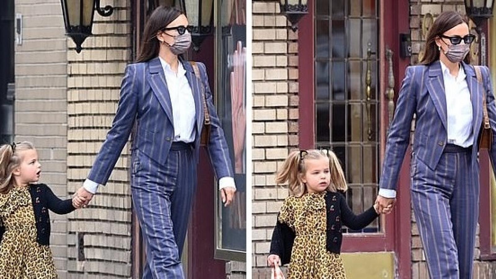 Irina Shayk và tình cũ Bradley Cooper vui vẻ đưa con gái cưng đến trường