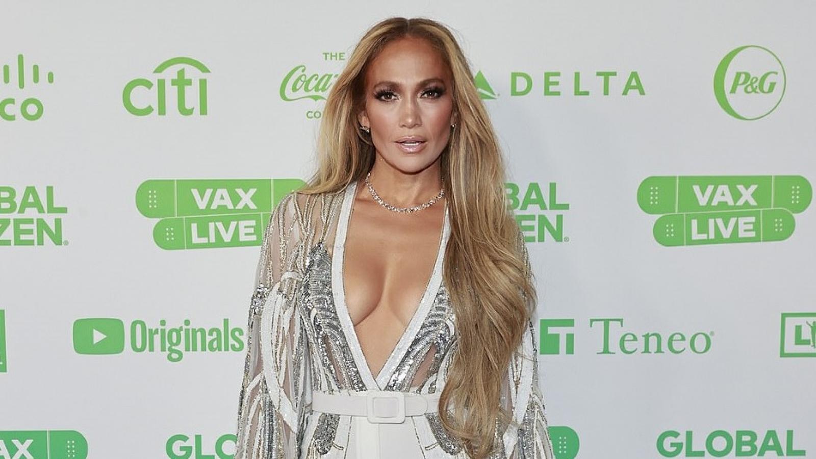 Jennifer Lopez xuất hiện nóng bỏng tại sự kiện sau khi xác nhận hủy hôn