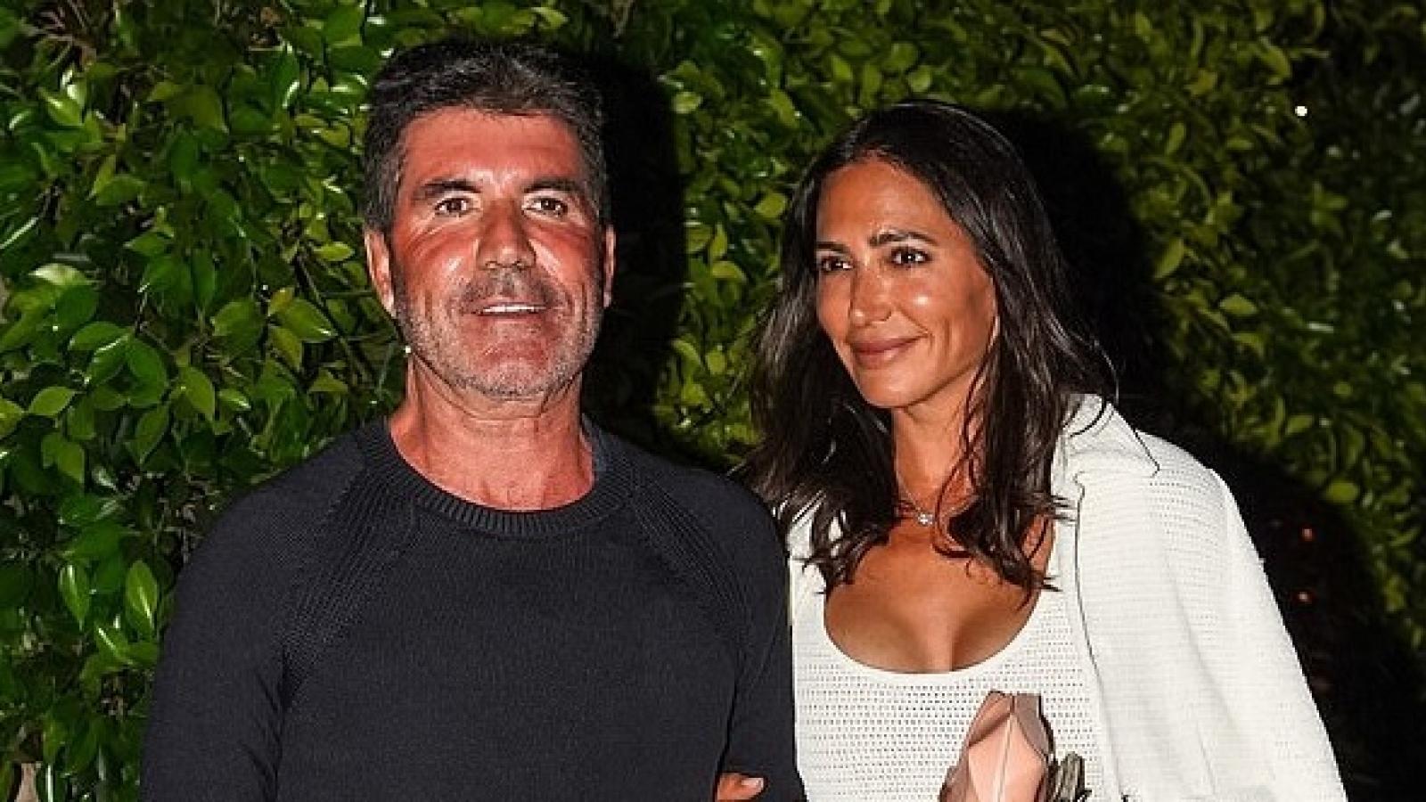 """Simon Cowell và bạn gái """"trốn con"""", hẹn hò ăn tối lãng mạn tại nhà hàng"""