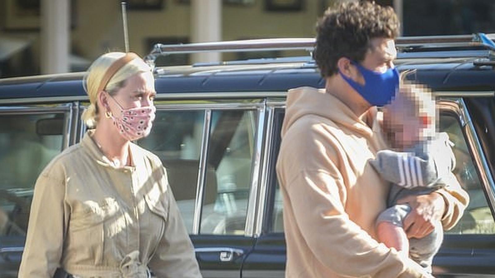 Ngày của mẹ, Orlando Bloom - Katy Perry hào hứng đưa con gái cưng đi chơi