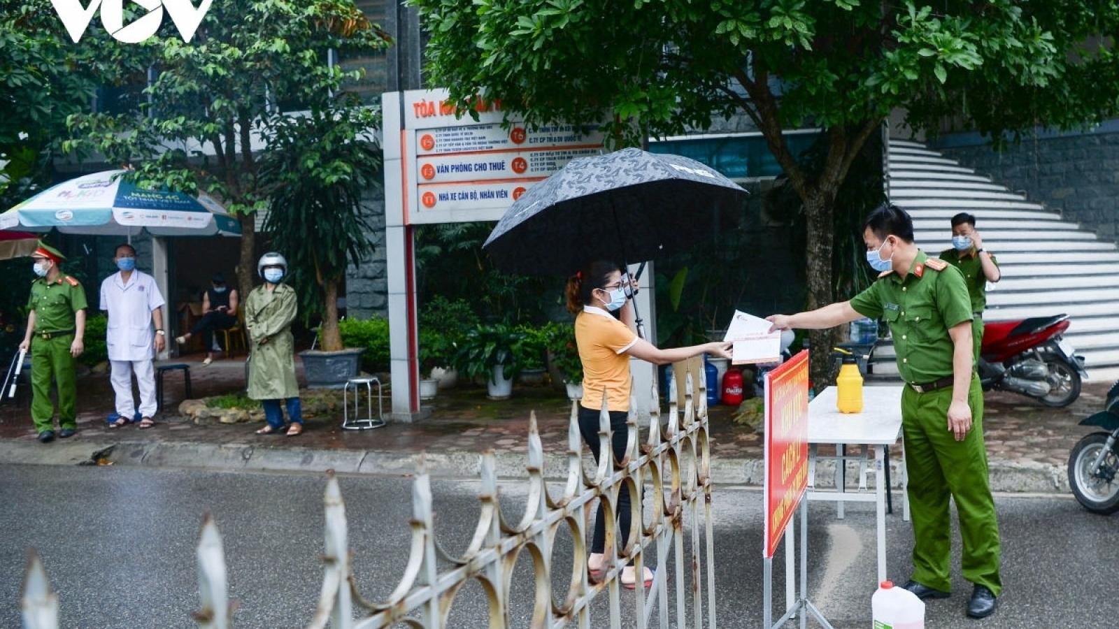 7 cán bộ ở Vĩnh Phúc bị đình chỉ công tác vì chậm tham mưu chống dịch