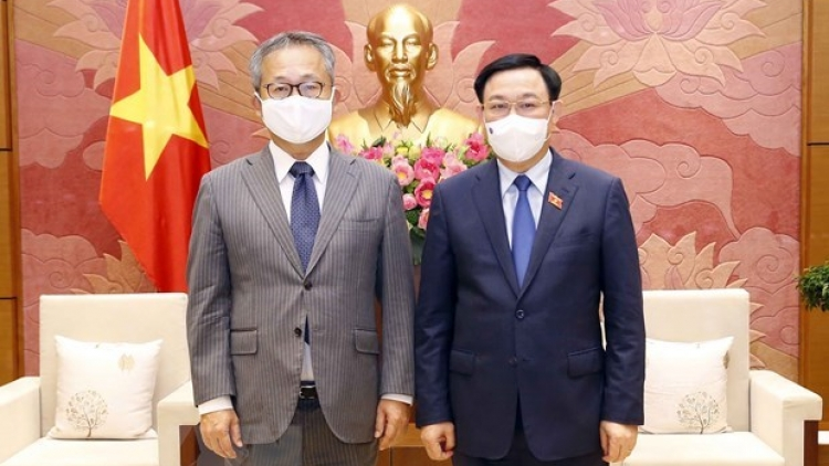 Top legislator hosts Japanese Ambassador