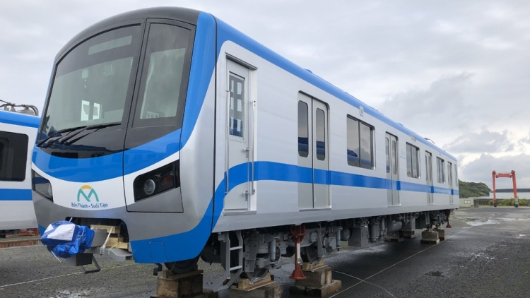 Japanese metro trains shipped for HCM City metro line No1