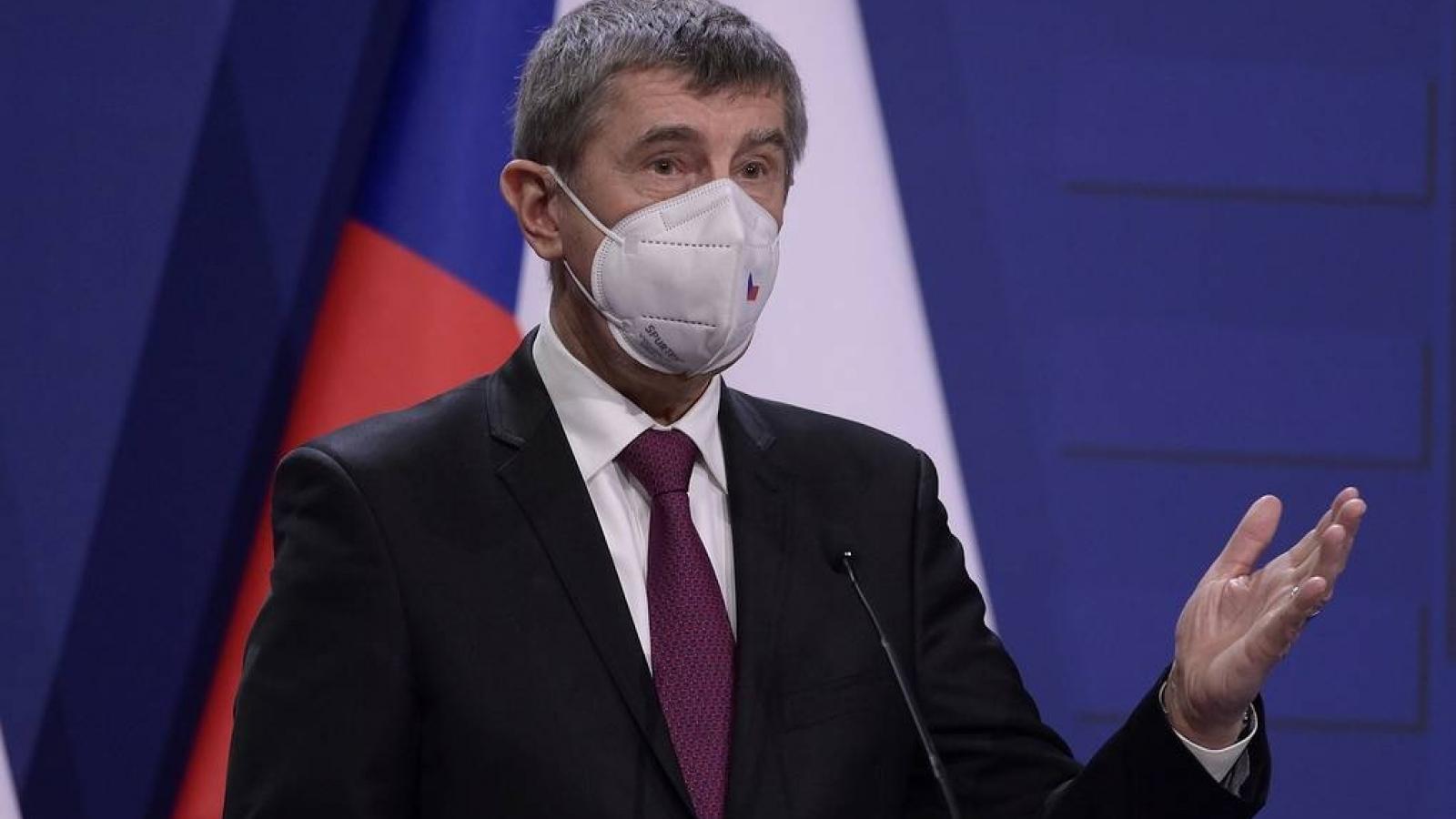 Thủ tướng Séc kêu gọi giảm leo thang căng thẳng trong quan hệ với Nga