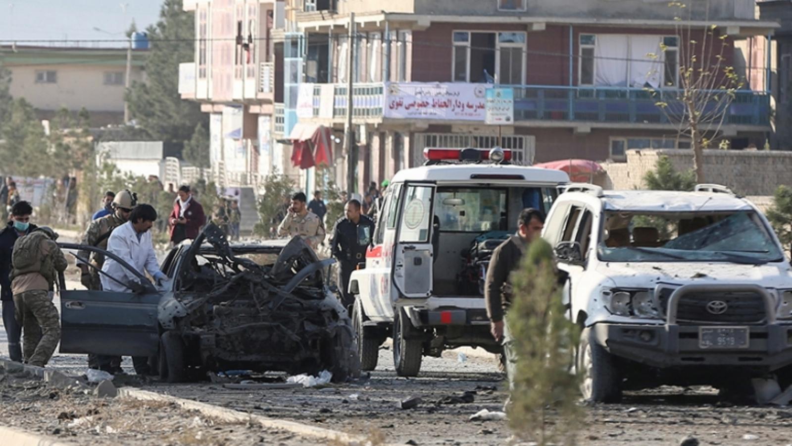 Hàng loạt xe chở xăng dầu bốc cháy ở Afghanistan khiến 7 người thiệt mạng
