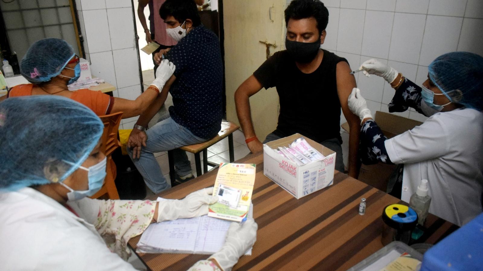 Ấn Độ chưa thể nối lại xuất khẩu vaccine Covid-19 trước tháng 10