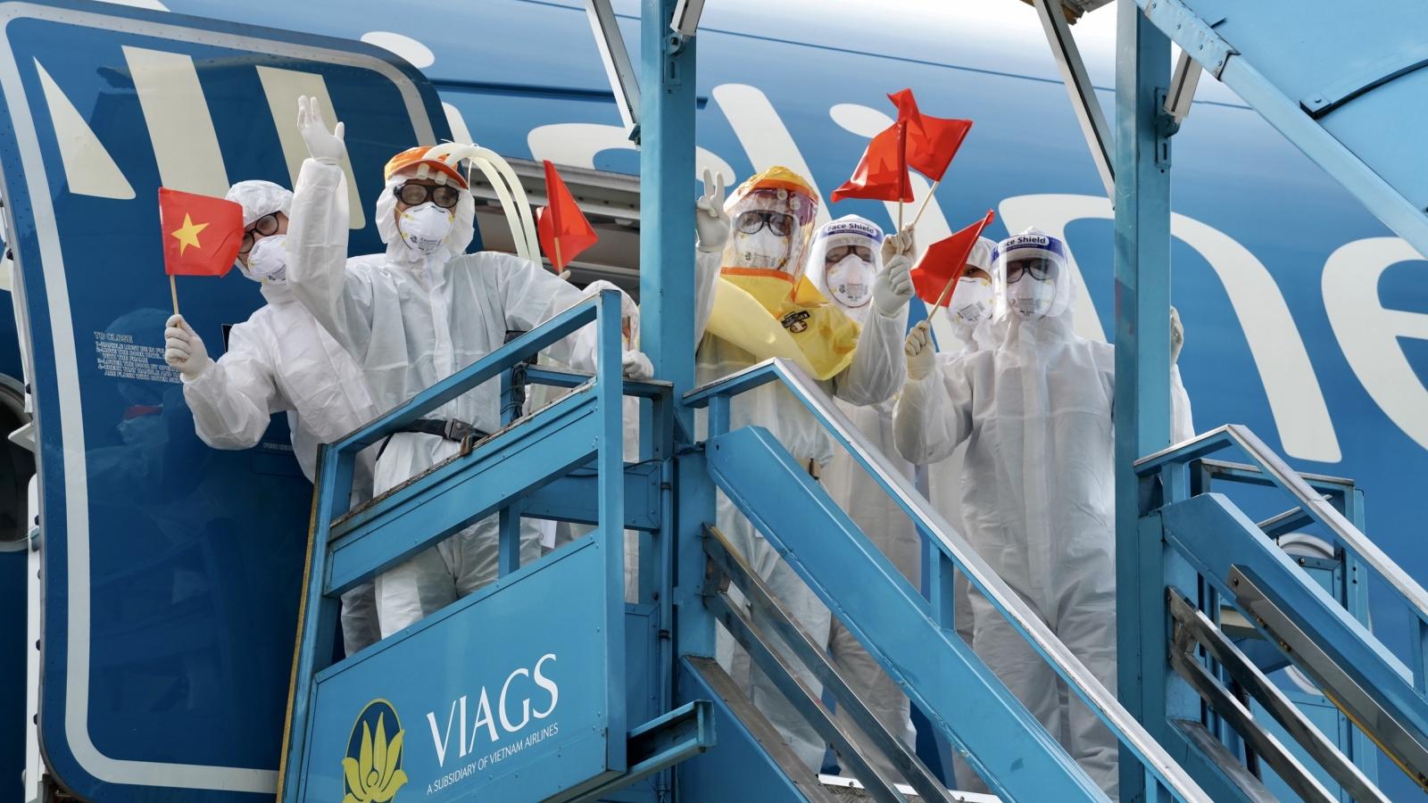 Vietnam Airlines miễn phí người và hàng hóa giúp Bắc Ninh, Bắc Giang chống dịch