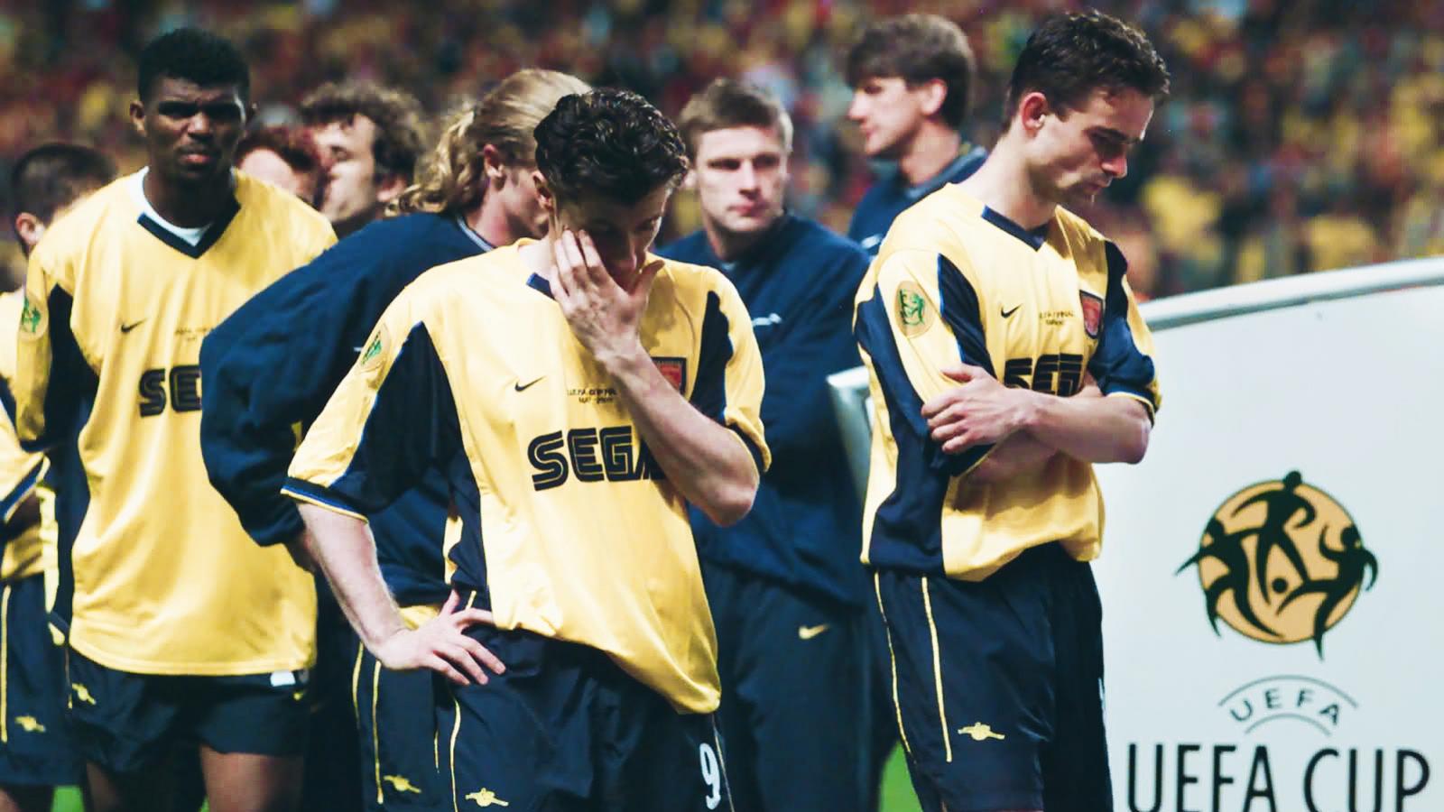 Ngày này năm xưa: Arsenal thất bại trong trận chung kết UEFA Cup lịch sử