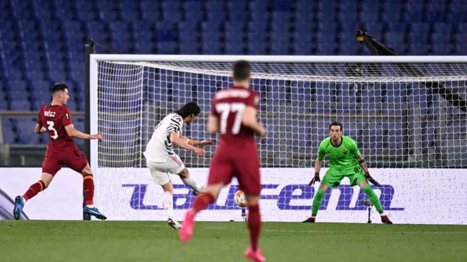 TRỰC TIẾP AS Roma 0-1 MU: Edinson Cavani ghi bàn đẳng cấp
