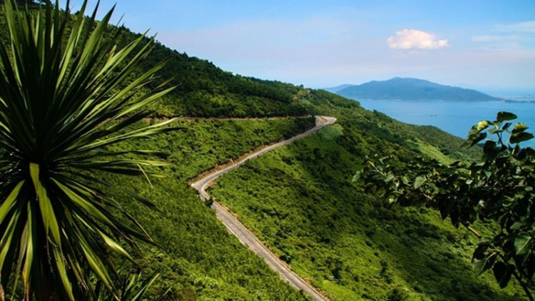 Lonely Planet lists seven best Vietnamese road trips