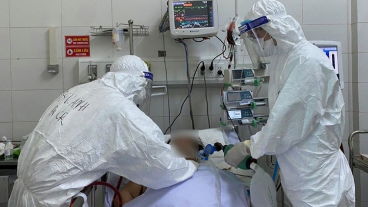 Four COVID-19 patients at Hanoi hospital turn critical