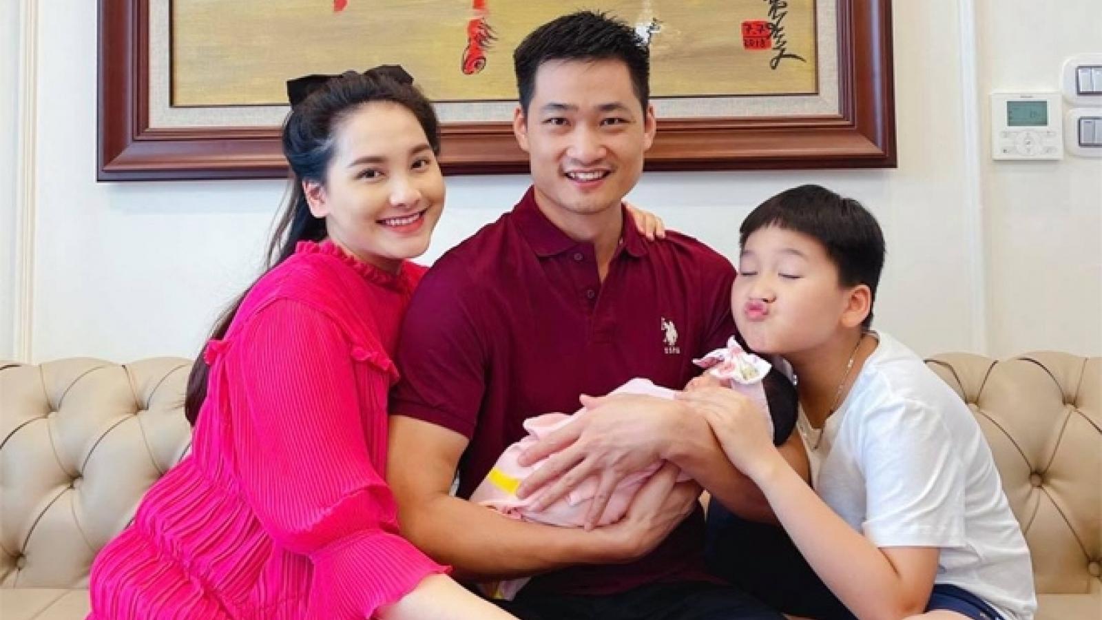 Vừa sinh con, diễn viên Bảo Thanh khoe nhan sắc xinh rạng ngời