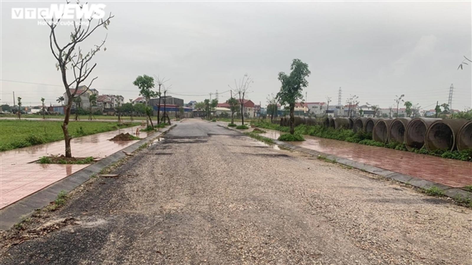 """Sau cơn sốt hầm hập, bất động sản các tỉnh quanh Hà Nội """"đóng băng"""" do COVID-19"""
