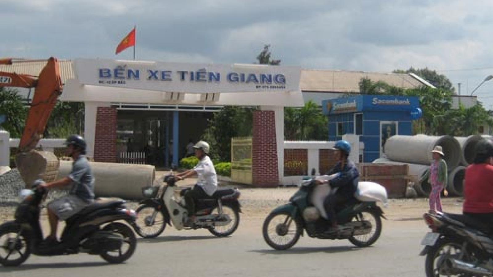 Tiền Giang tạm dừng hoạt động vận tải hành khách đến Long An và TPHCM