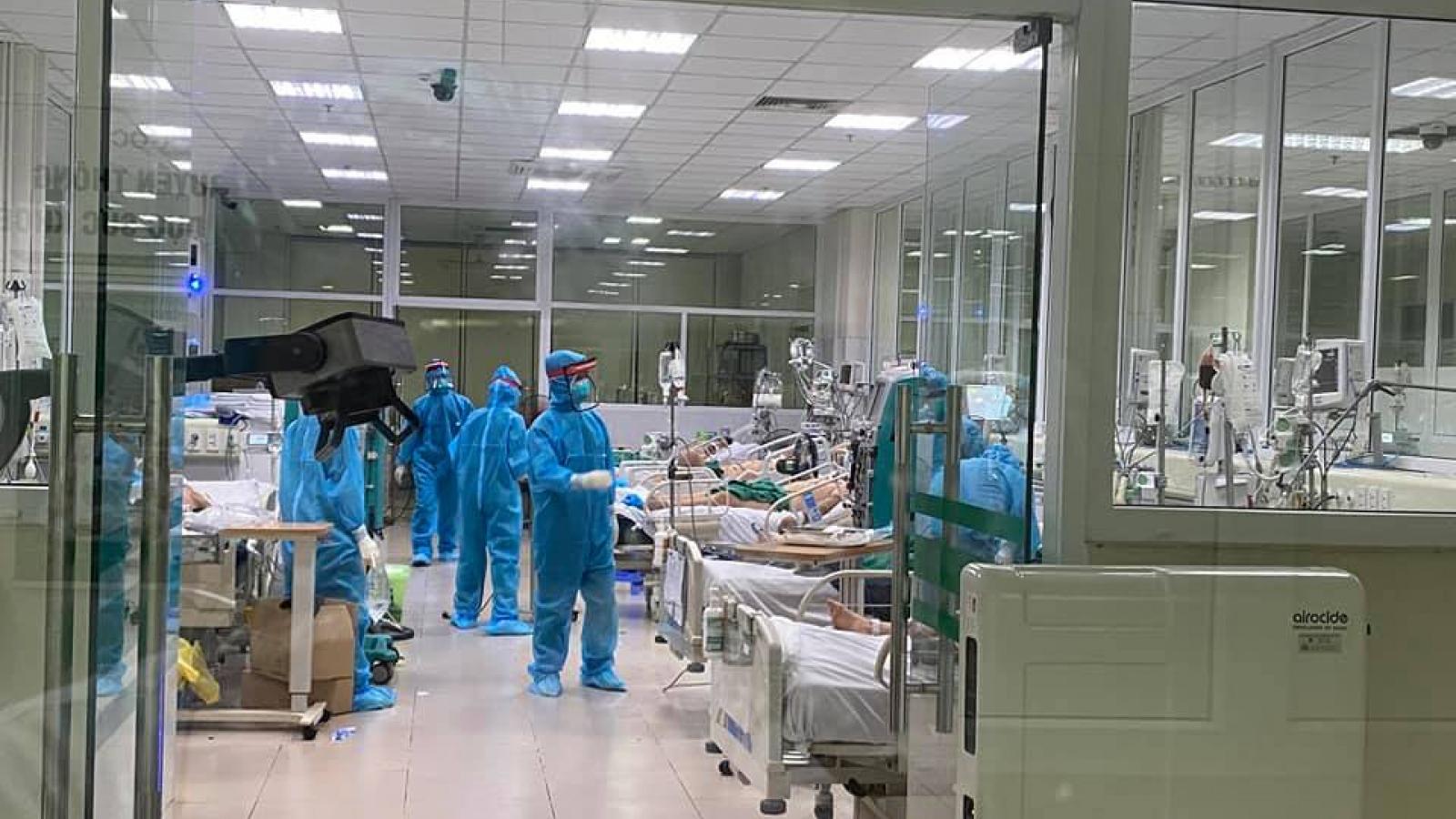 Nữ điều dưỡng bị bệnh nhân Covid-19 đe dọa, bóp cổ