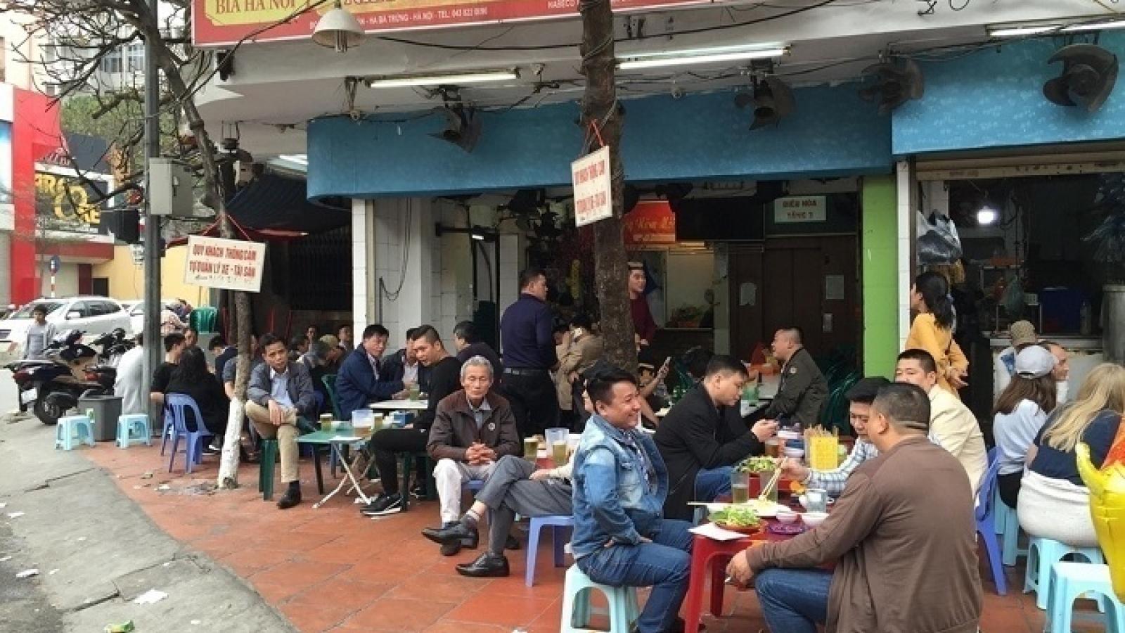 Hà Nội tạm dừng hoạt động nhà hàng bia, quán bia, bia hơi để phòng dịch Covid-19
