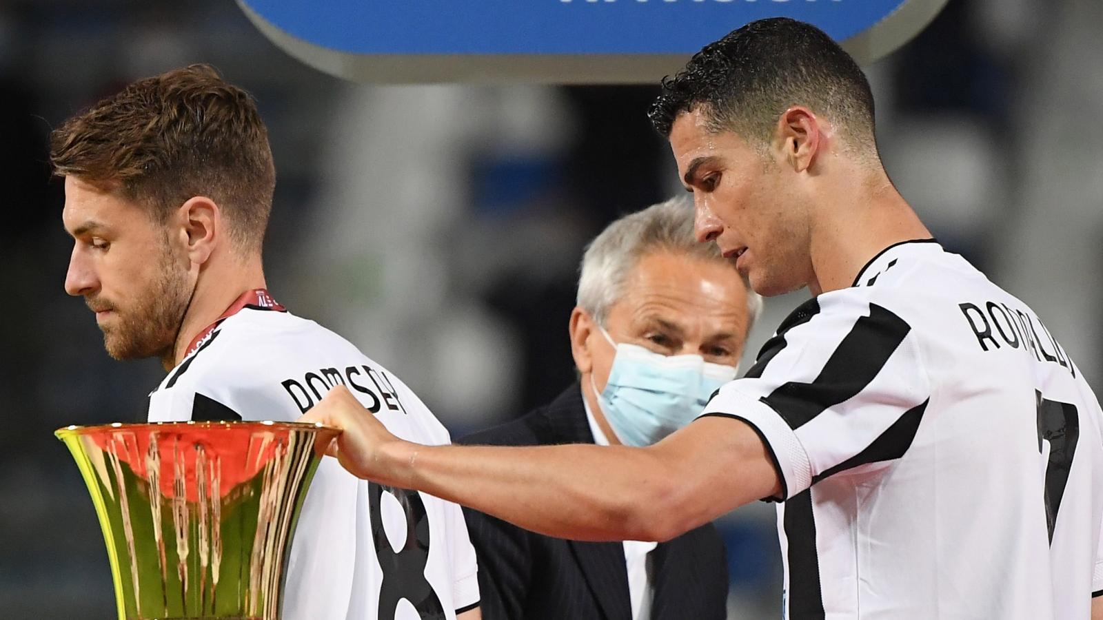 """Juventus vô địch Cúp QG Italy, Ronaldo thoát khỏi cảnh """"trắng tay"""""""