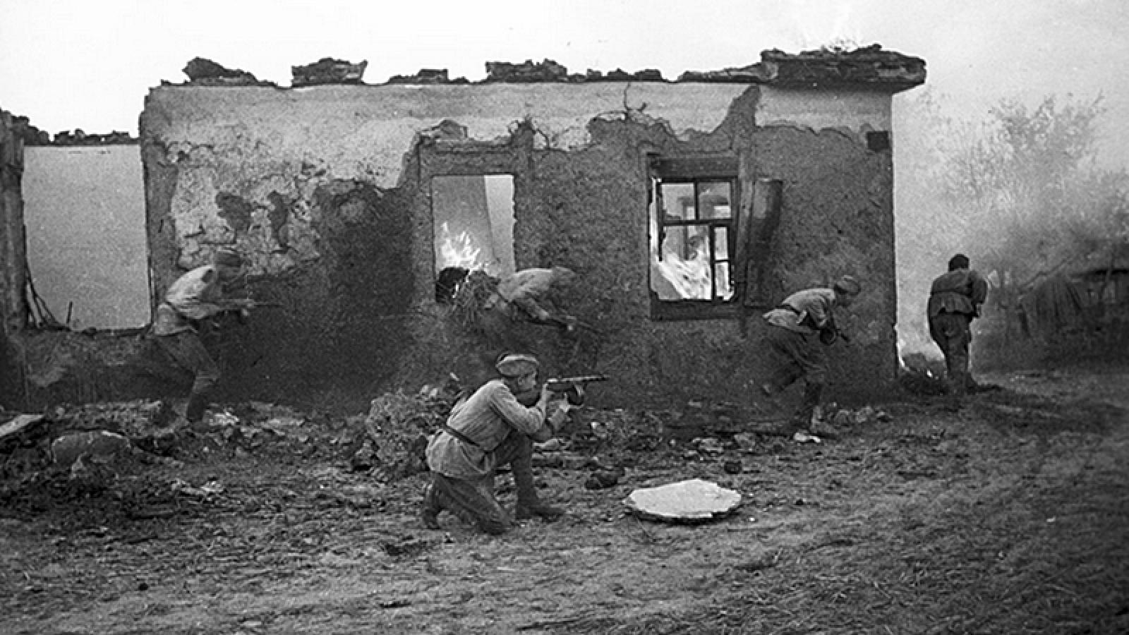 Hồng quân thất bại lớn trong trận Kharkov 2, phát xít Đức thẳng tiến tới Stalingrad