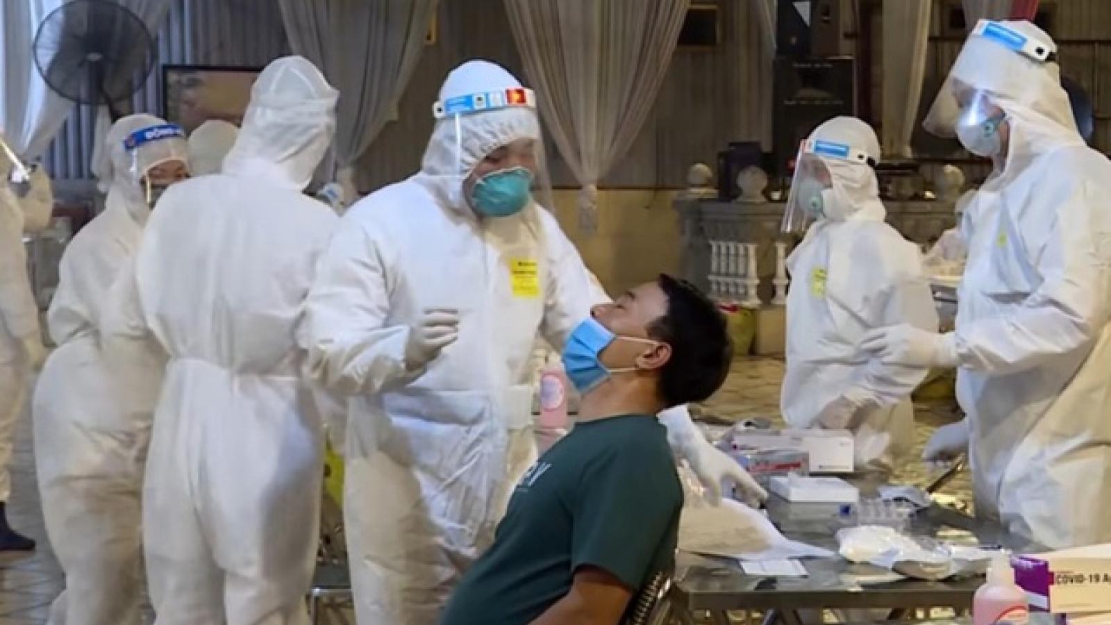 100% người dân Bắc Ninh đi khám bệnh được test nhanh COVID-19