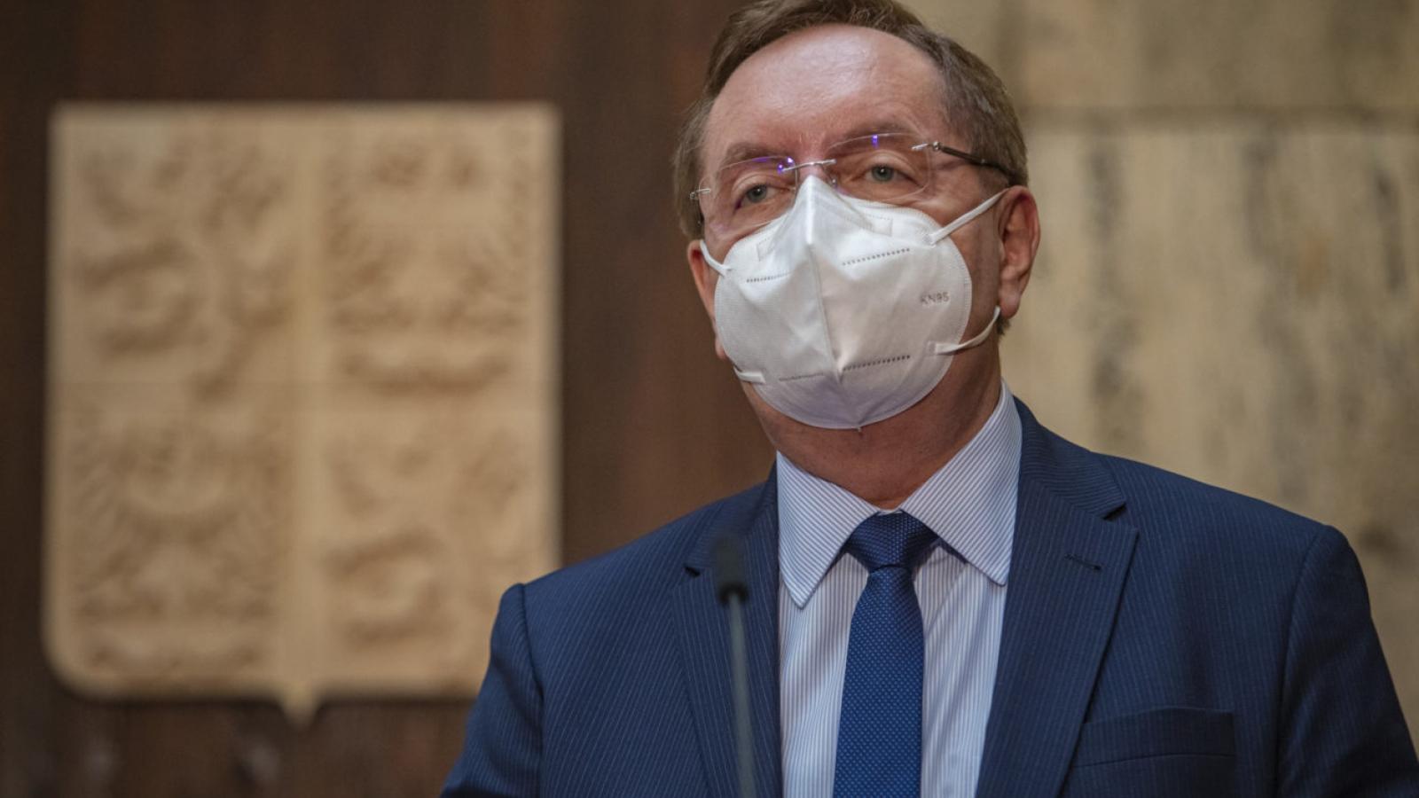 Bộ trưởng Y tế Séc từ chức sau bê bối kê khai tài sản và thu nhập